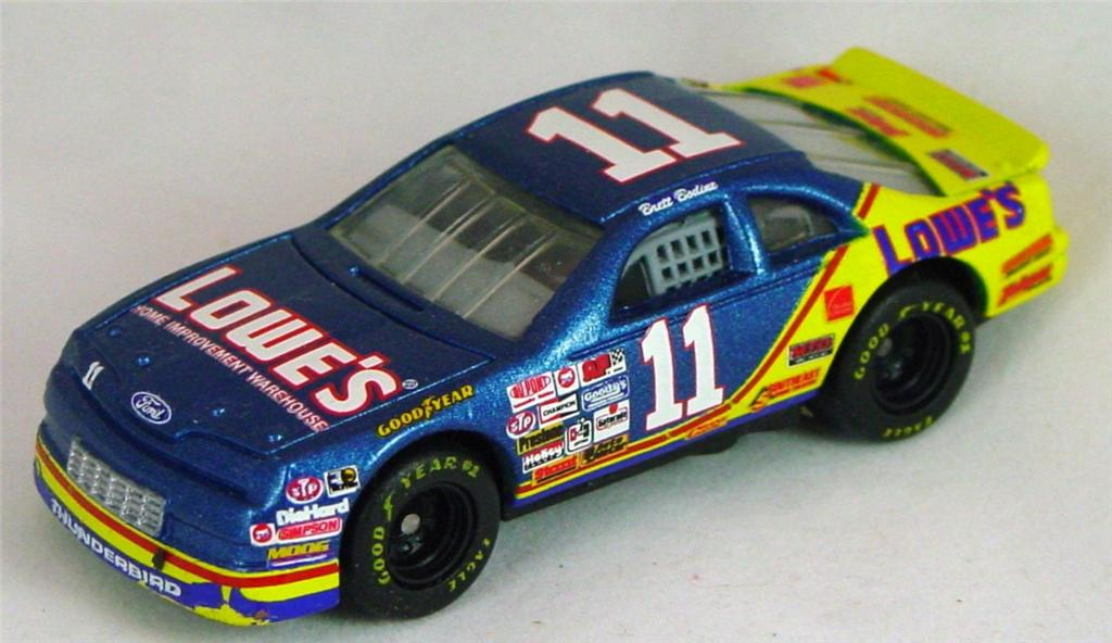 Pre-production 07 G - Ford T-Bird met Blue and Yellow Lowes made in China