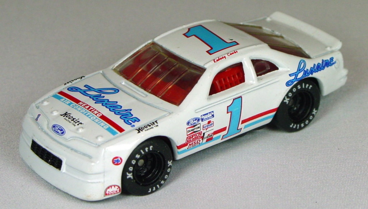 Pre-production 07 G 42 - Ford T-Bird White Blue Luxaire red interior made in Thailand rivet glue