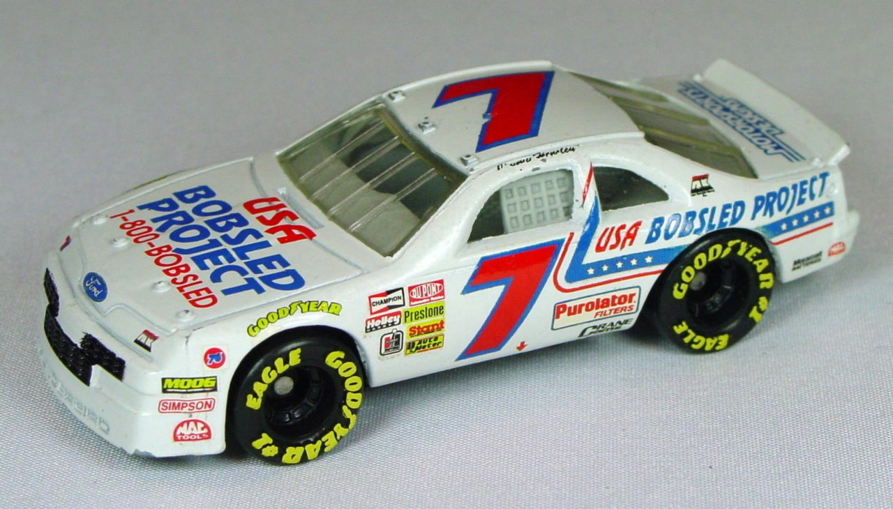 Pre-production 07 G 44 - Ford T-Bird White USA Bobsled 7 made in Thailand unspread rivet