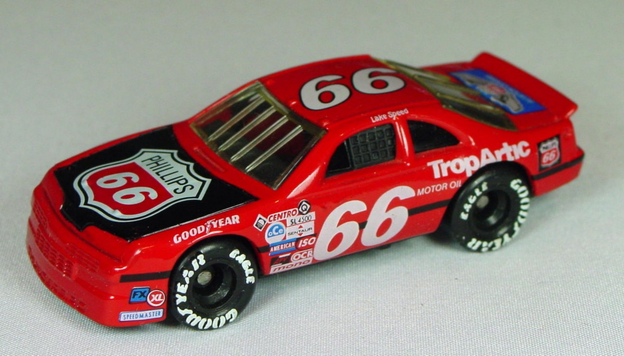Pre-production 07 G - Ford T-Bird Red black hd Phillips 66 made in China