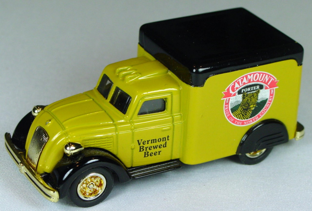 Pre-production - 1939 Dodge Airflower Tan/Black Catamount Beer gold trim