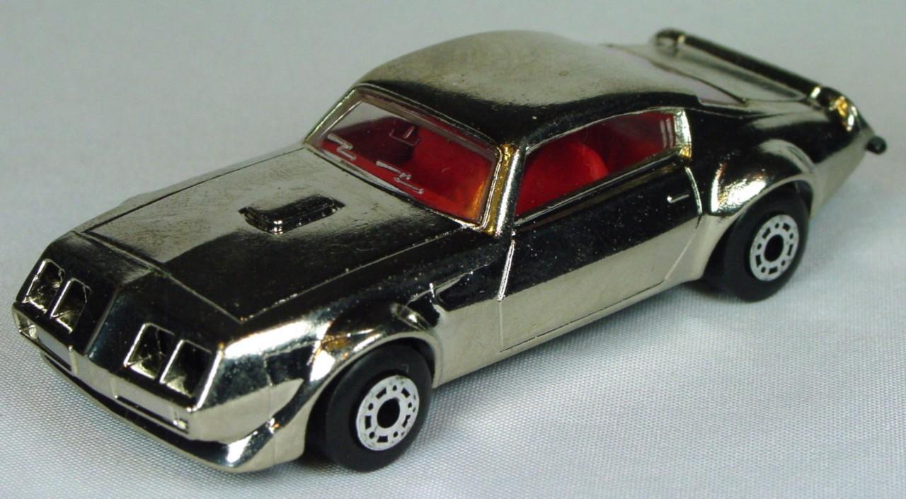 Bulgarian 16 B - Pontiac Chrome red interior black base