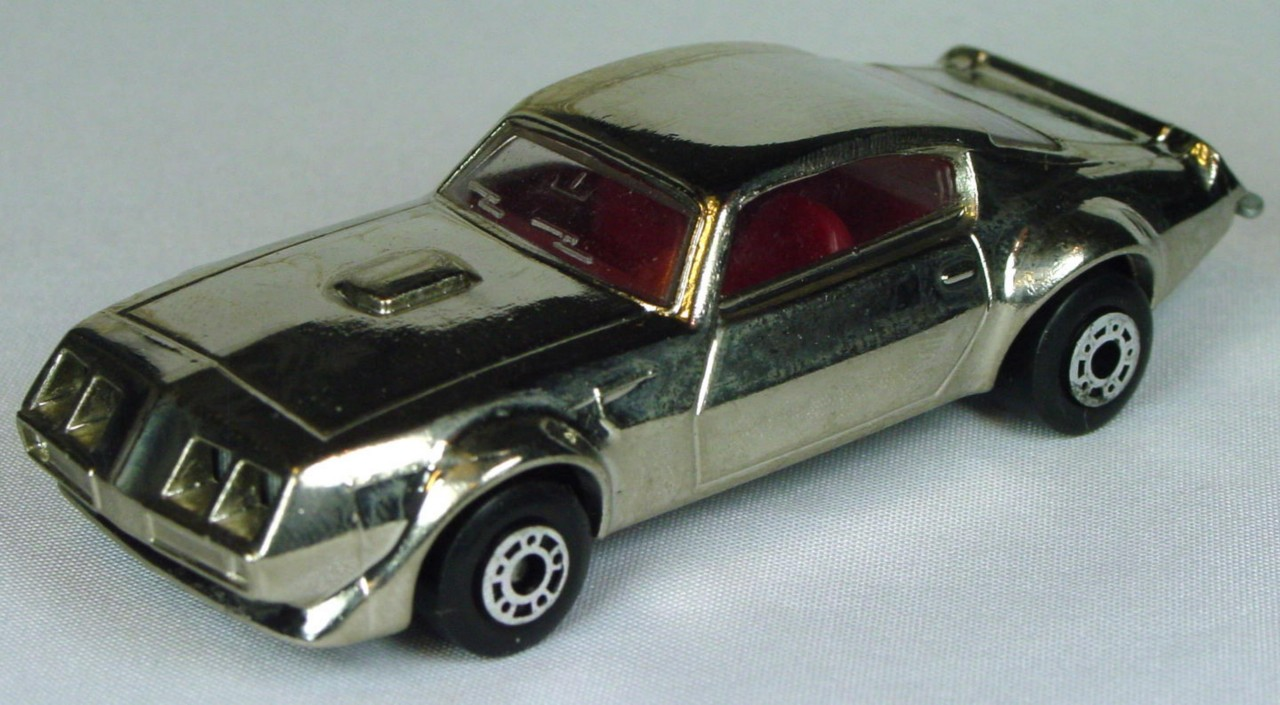Bulgarian 16 B - Pontiac Chrome red interior sil-grey base