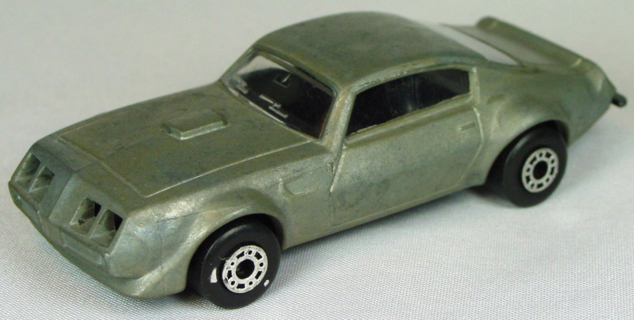 Bulgarian 16 B - Pontiac unpainted black interior unp base