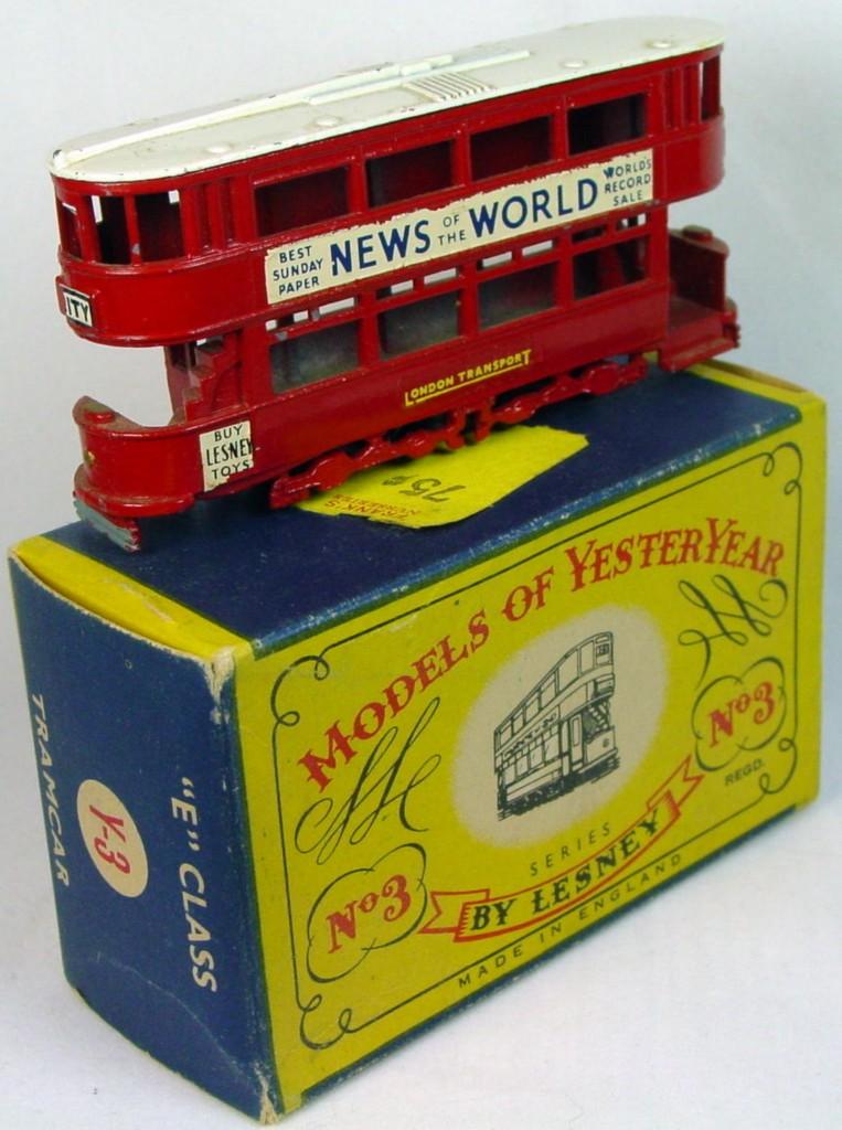 Models of YesterYears 03 A 4 - Tramcar black plastic wheels white roof C8.5 C box original price sticker