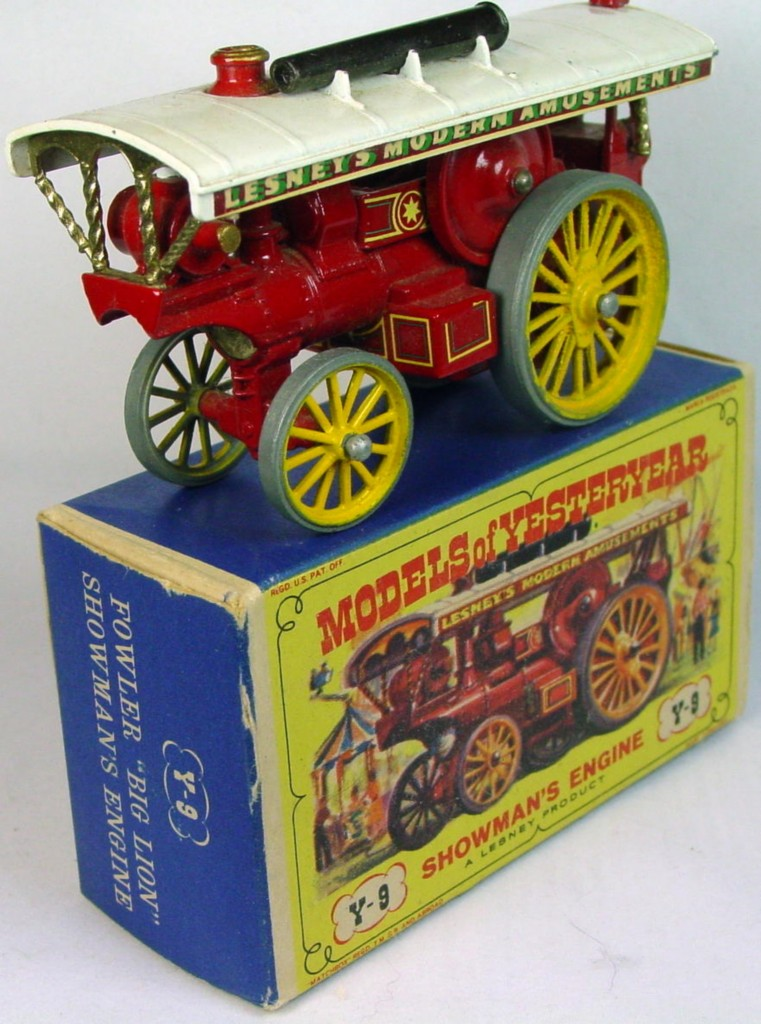 Models of YesterYears 09 A - Showmans Red (Very Near Mint) C9- D2 box