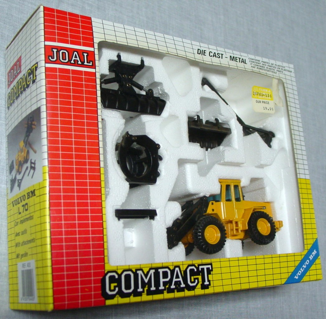 50 - JOAL 400 Volvo BM L70 W/attachments 1:50
