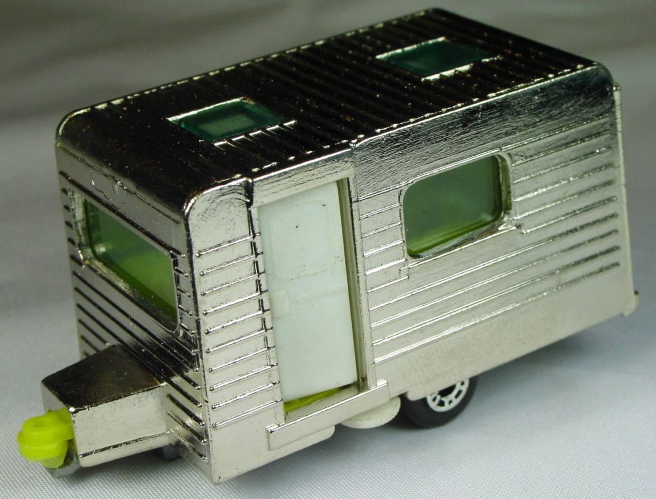 Bulgarian 31 C - Caravan Chrome yellow interior white door met sil-grey base