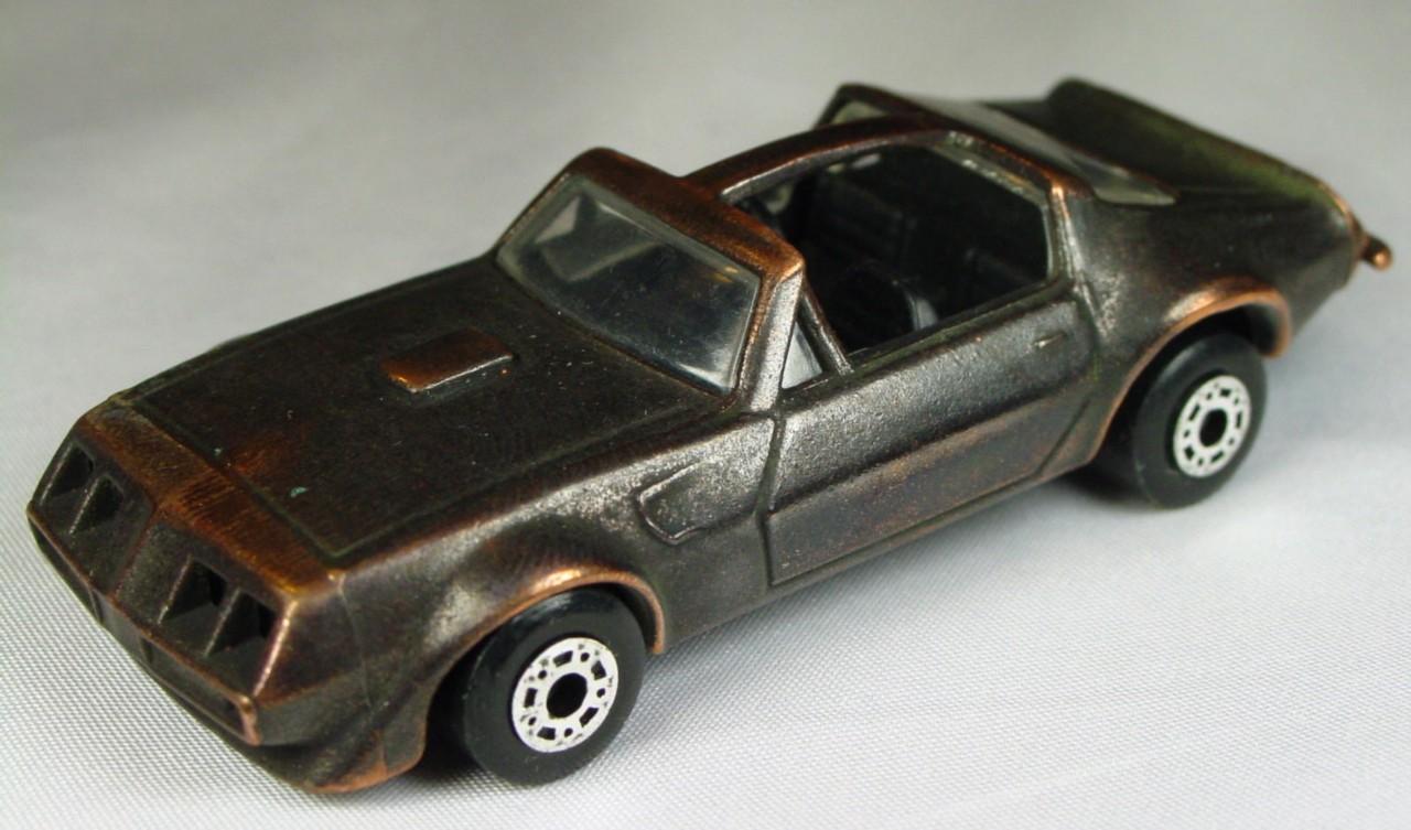 Bulgarian 35 C - Pontiac T-roof Bronze black interior brnz base