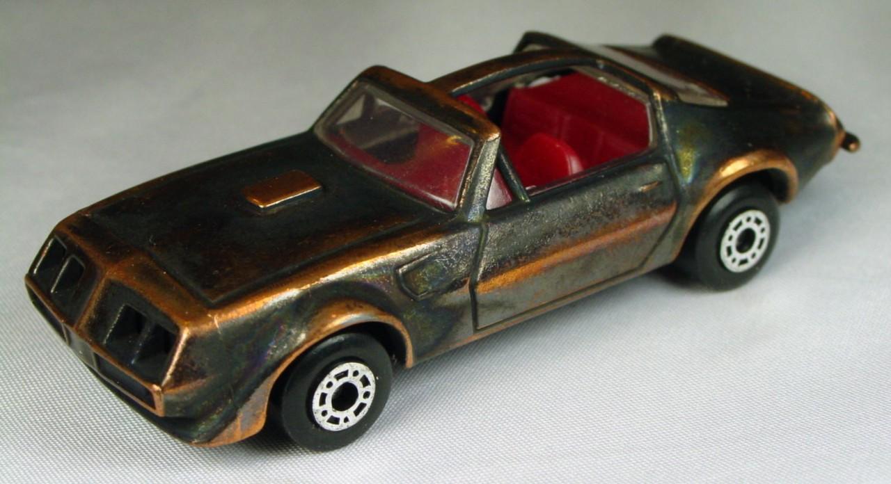 Bulgarian 35 C - Pontiac T-roof Bronze red interior brnz base