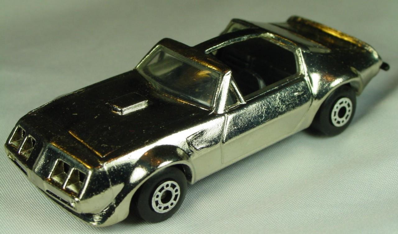 Bulgarian 35 C - Pontiac T-roof Chrome black interior black base