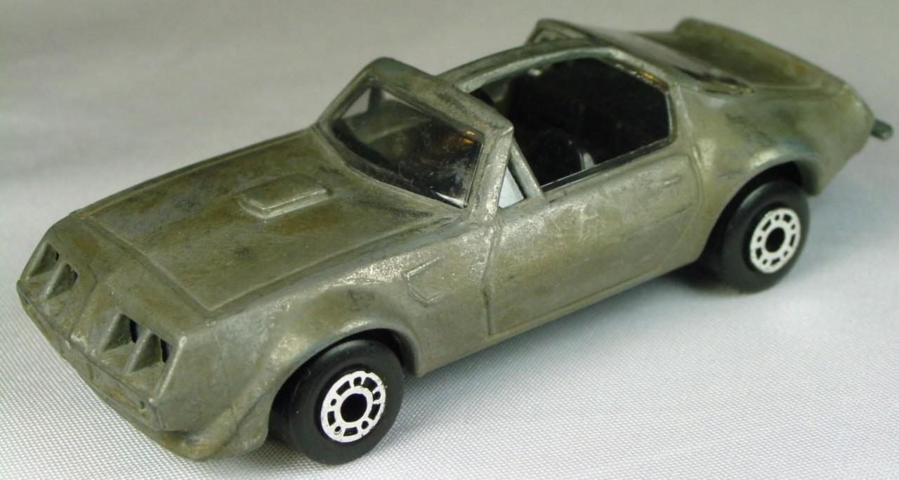 Bulgarian 35 C - Pontiac T-roof Unp black interior unp base