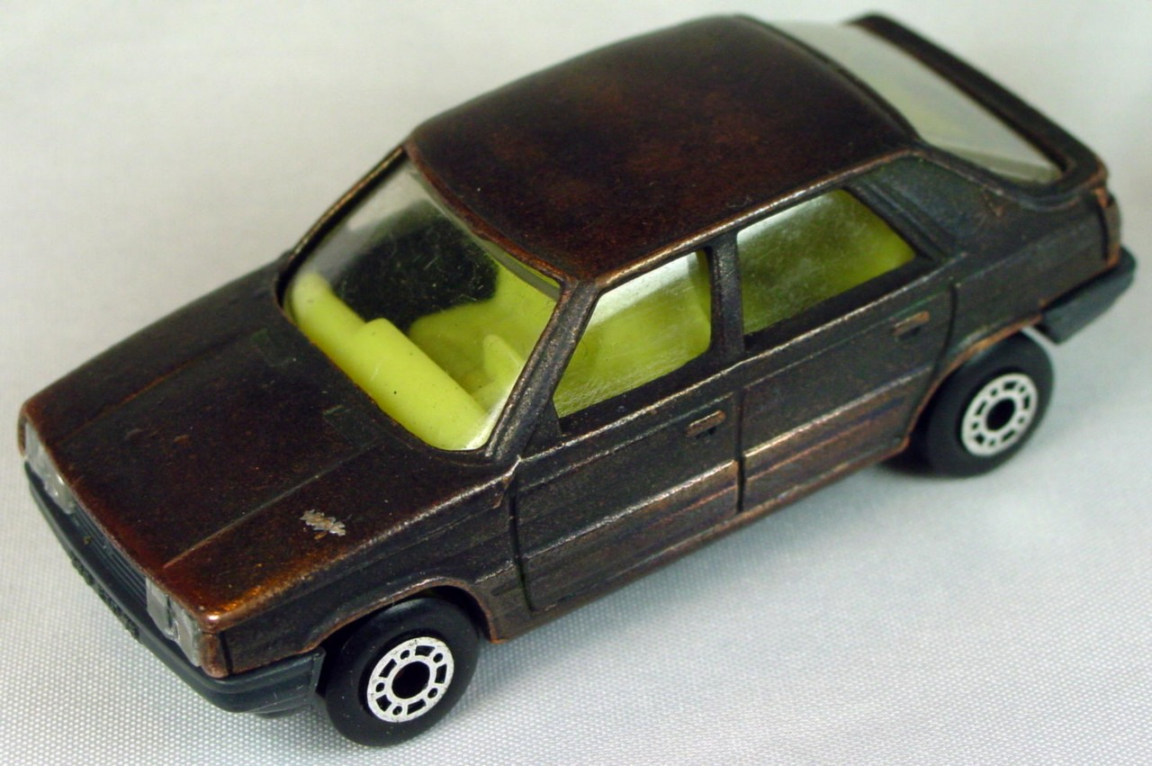 Bulgarian 33 E - Renault 11 Bronze pale yellow interior charcoal base