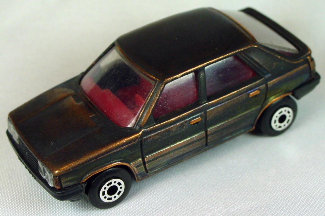 Bulgarian 33 E - Renault 11 Bronze red interior black base