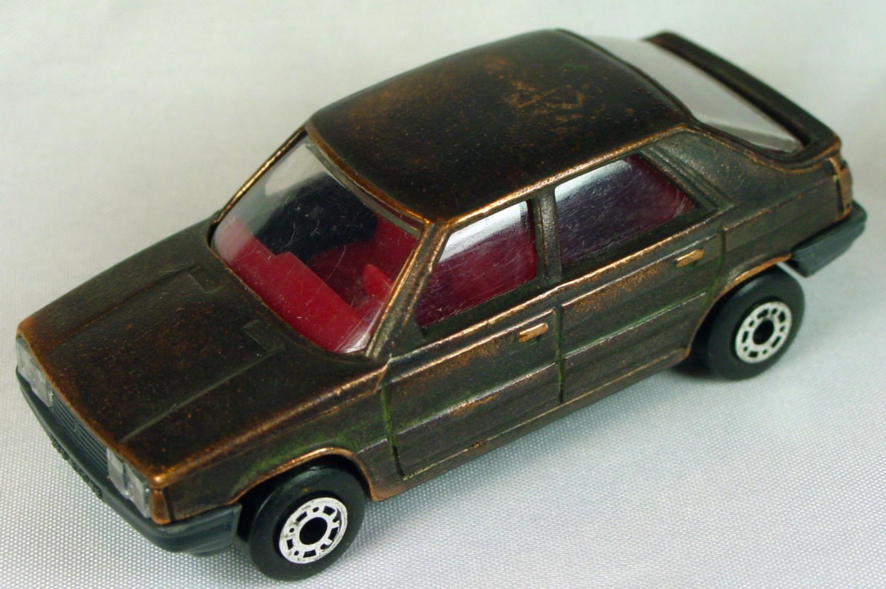 Bulgarian 33 E - Renault 11 Bronze red interior charcoal base