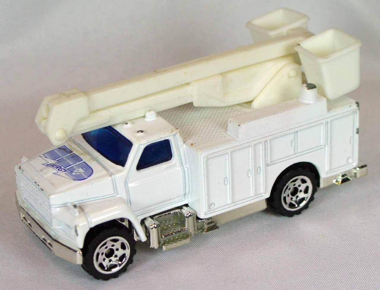 ASAP-CCI 33 G - Utility Truck White UD Energy ASAP