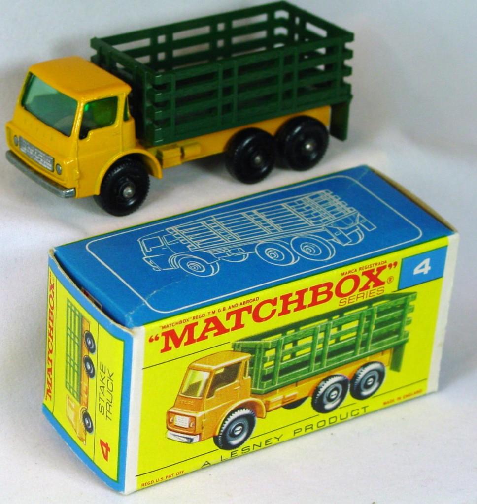 Regular Wheel 04 D 2 - Stake truck with tow C9.5 F Box original price sticker