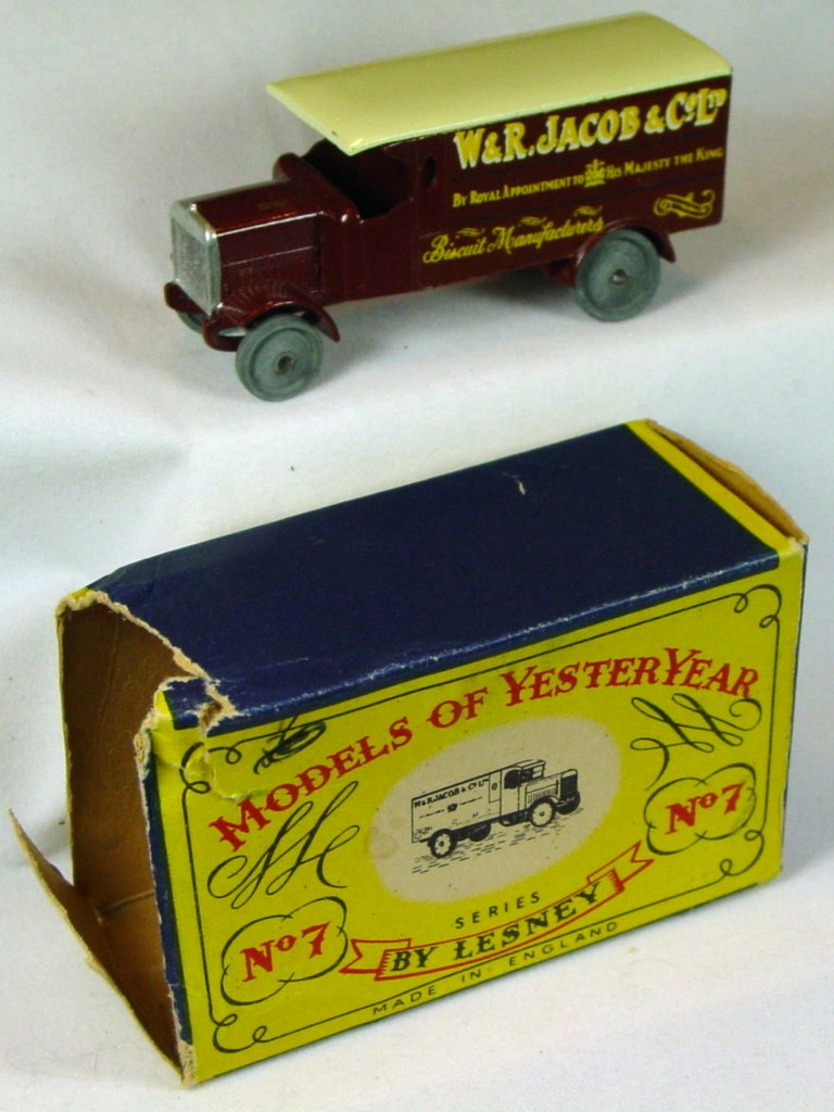 Models of YesterYears 07 A - Leyland Van brown one slight chip 1 bent axle C7 A1 box -1 flap