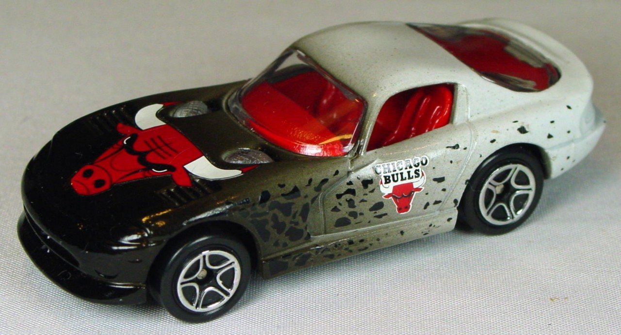 Pre-production 01 G 16 - Dodge Viper GTS Black and white Chicago Bulls unspread rivCHI