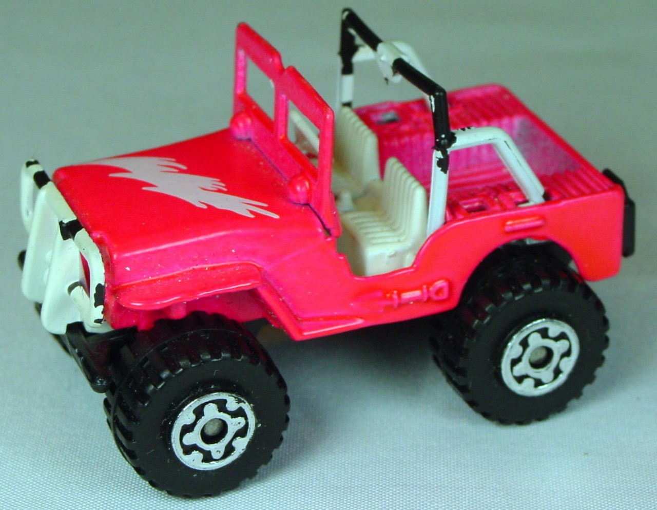 Pre-production 05 D 9 - Jeep 4x4 hot Pink Bolt STICKER white rollbar made in Thailand