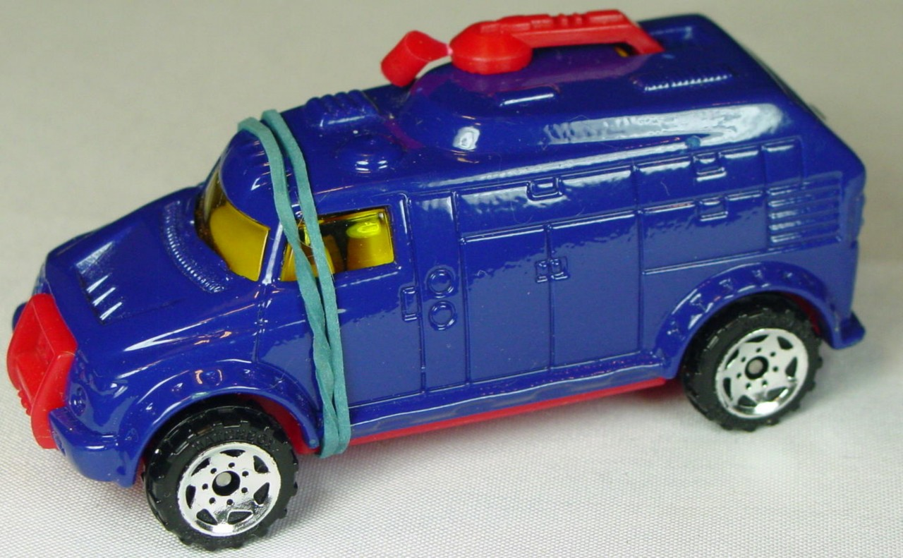 Pre-production - Robot Truck dark Blue red plastic base made in China unspread rivet