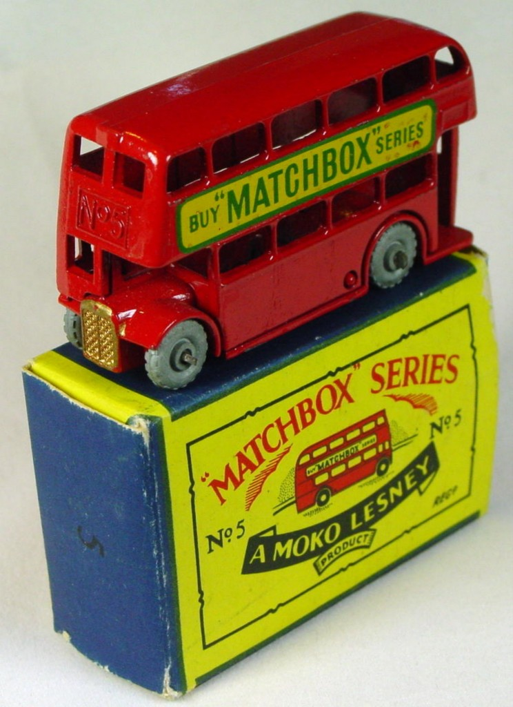 Regular Wheel 05 B 1 - London Bus Matchbox metal wheels flat crimped axles three slight chips C9 B2 box