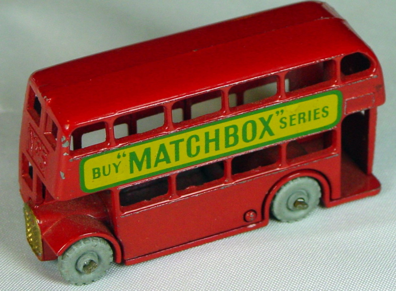 Regular Wheel 05 B 1 - London Bus Matchbox metal wheels  domed crimped axles gold trim
