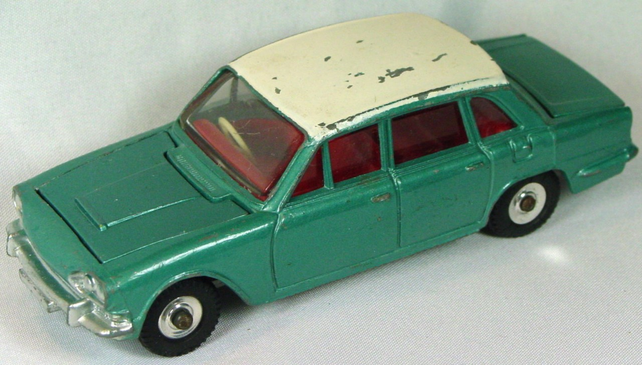 Dinky 135 G - Triumph 2000 Turquoise and White