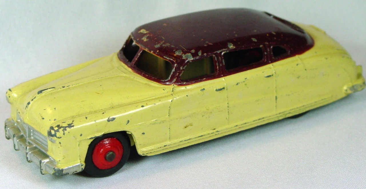 Dinky 139 B - (171) Hudson Commodore Cream and Maroon red hubs