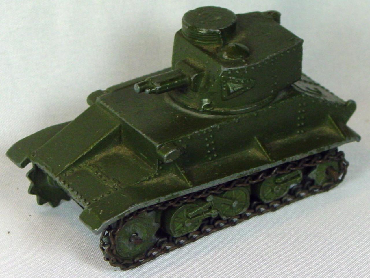 Dinky 152 A - Light Tank -antenna -1 tread