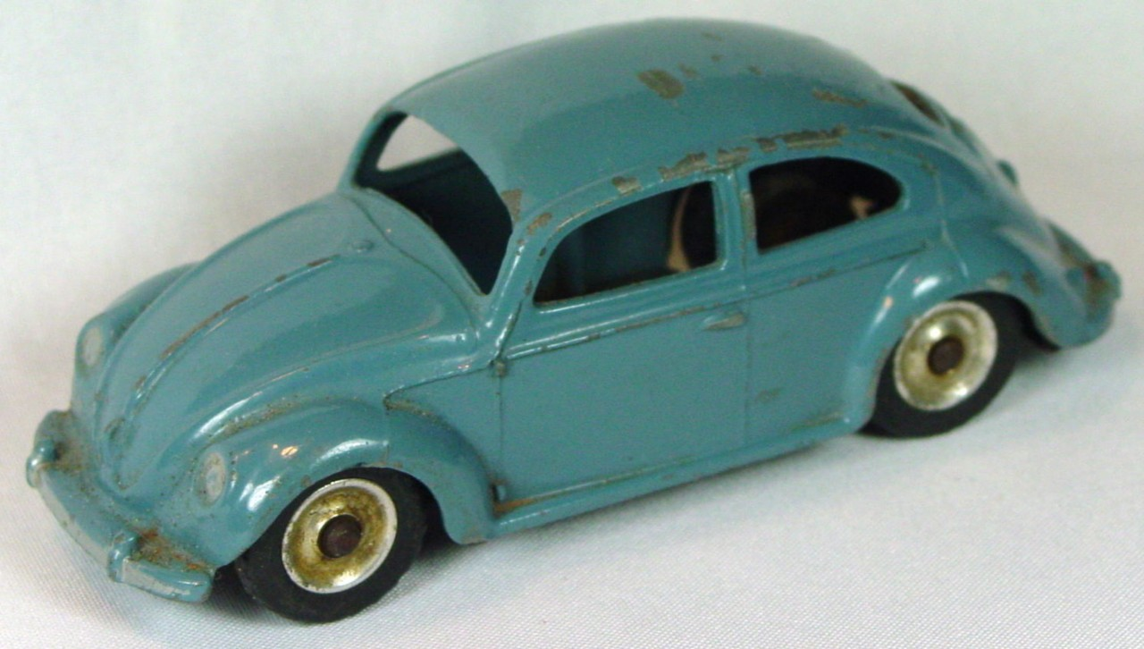 Dinky 181 - Volkswagon Beetle light grey spun hubs black plastic tires
