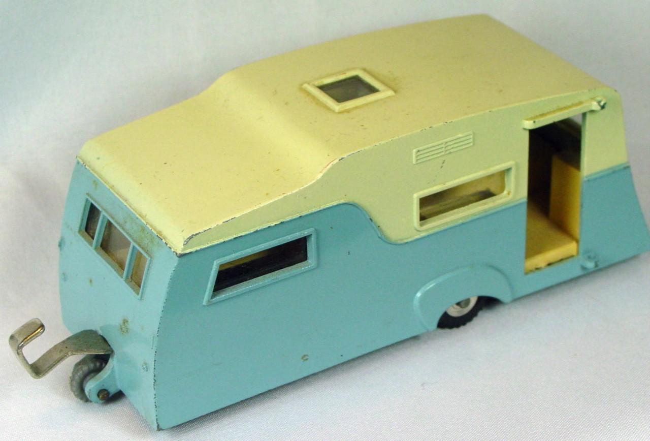 Dinky 188 - Four-berth Caravan light Blue and cream -dr