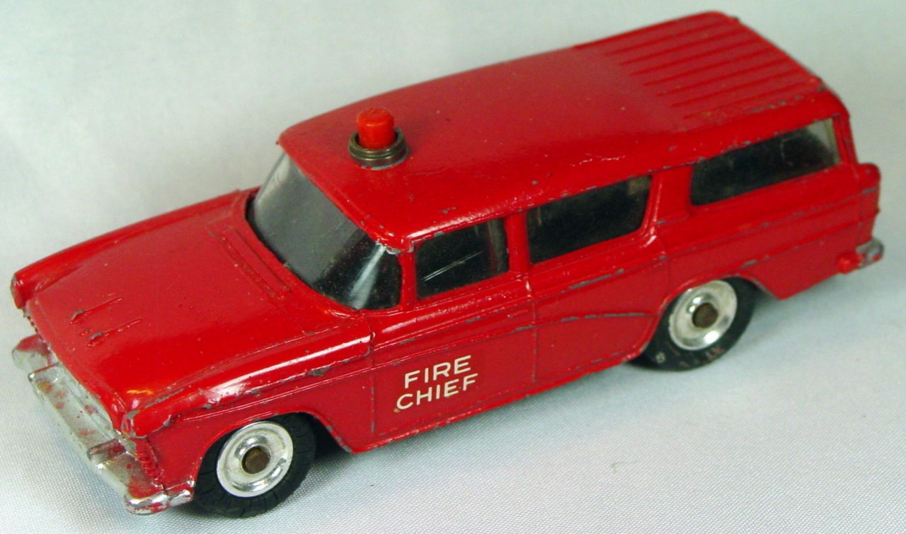 Dinky 257 - Nash Rambler Can. Fire Chiefs Car Red