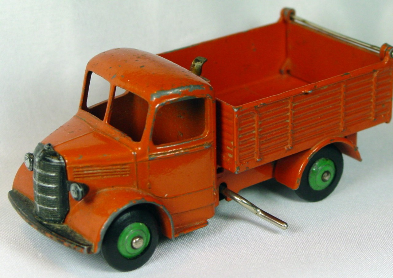 Dinky 25 M - Bedford Tipper Orange/orange LT GRN hubs