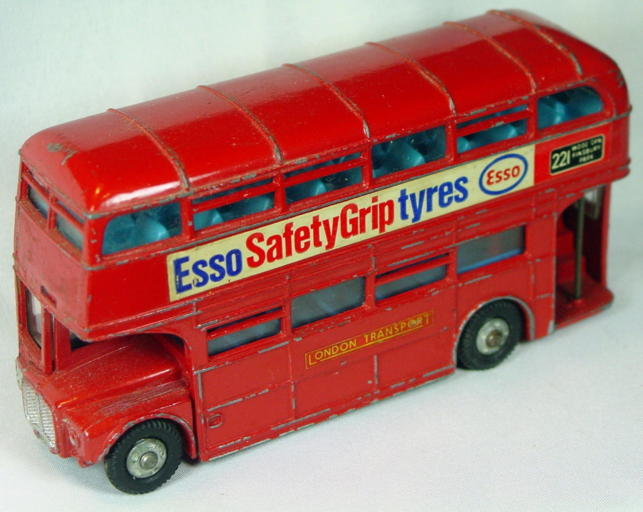 Dinky 289 - Routemaster Bus Esso Safety Grip Tyres