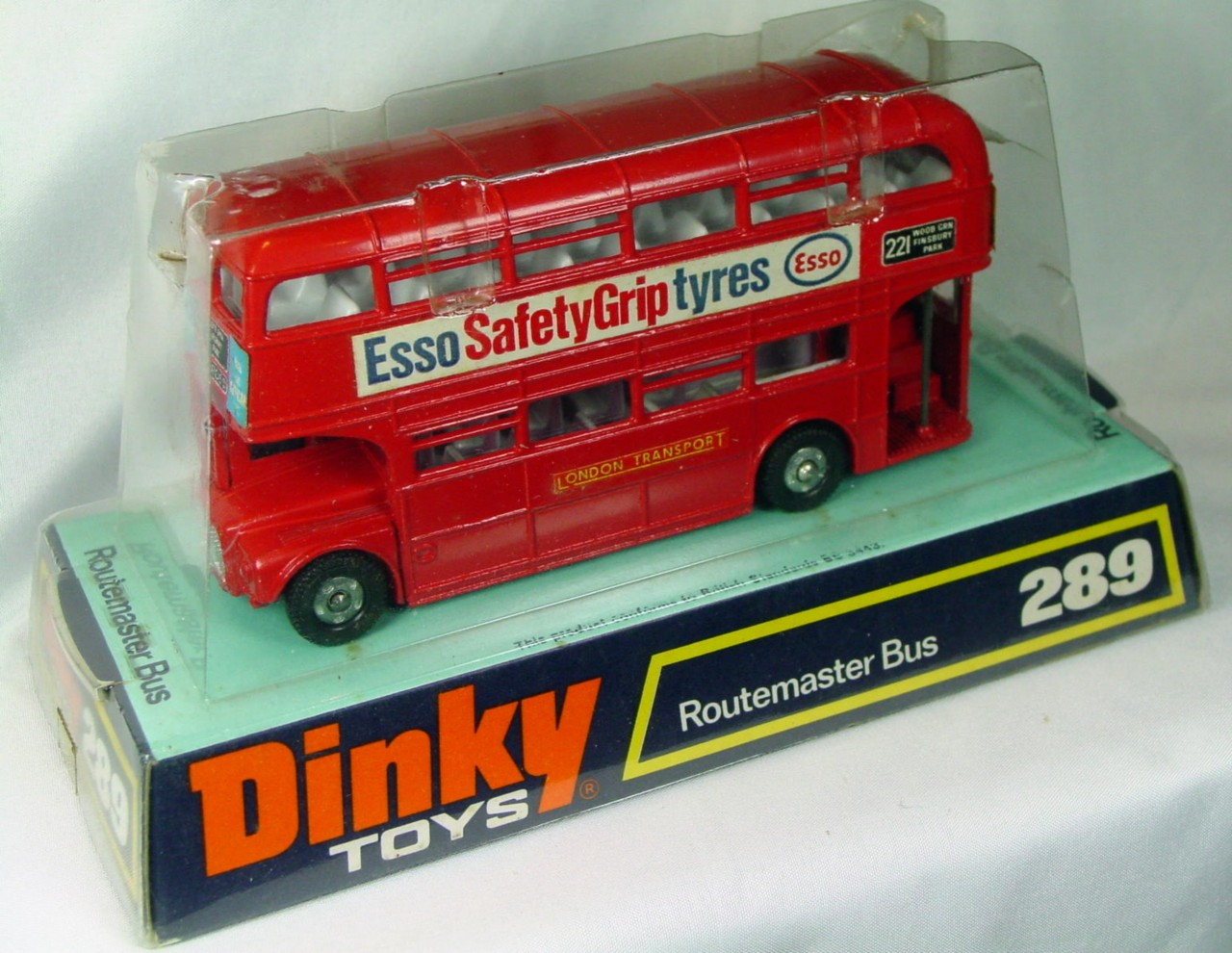 Dinky 289 - Routemaster Bus Esso Safety Grip Tyres C9 window box
