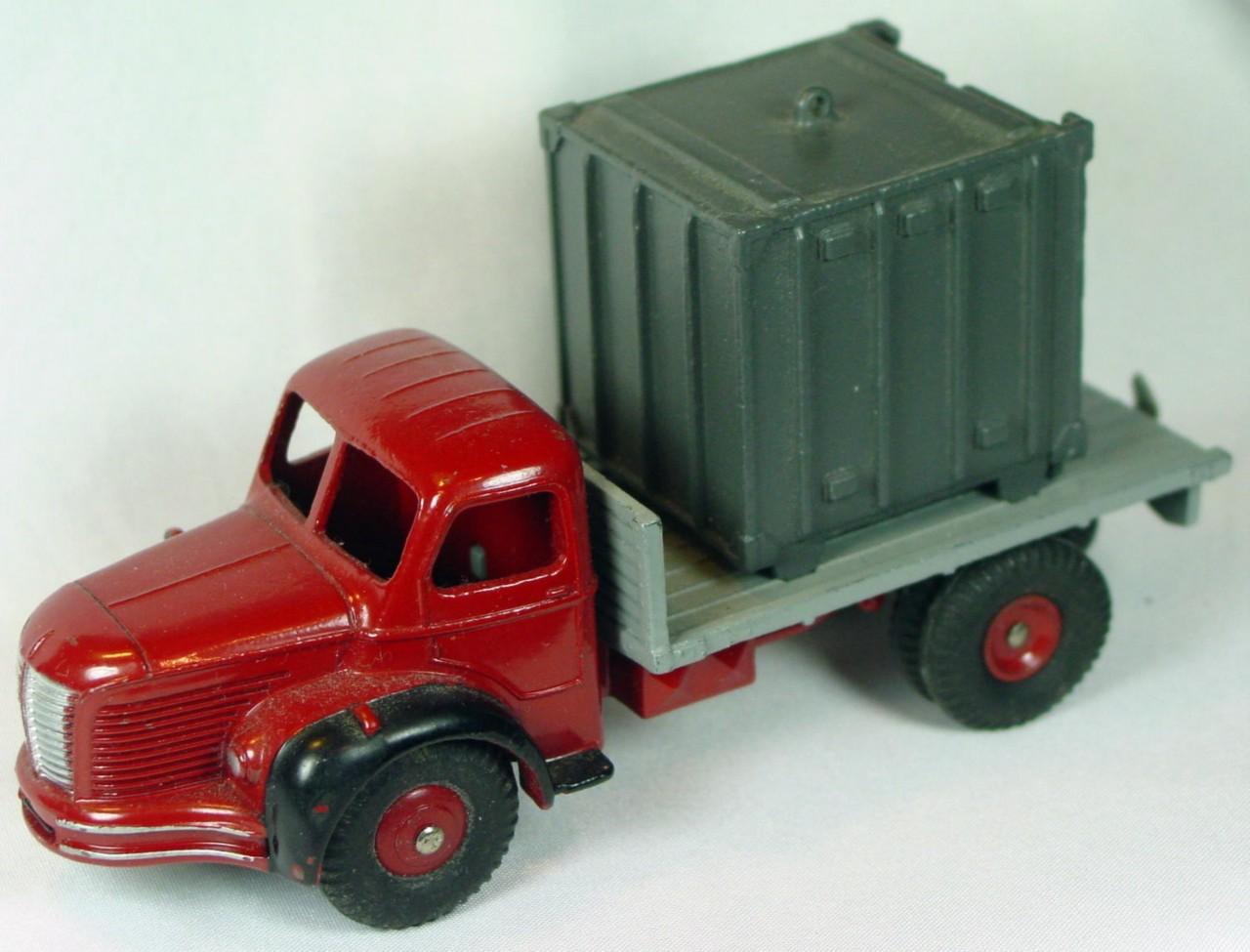 Dinky 34 B - (581) Berliet Container Truck dark Red and grey