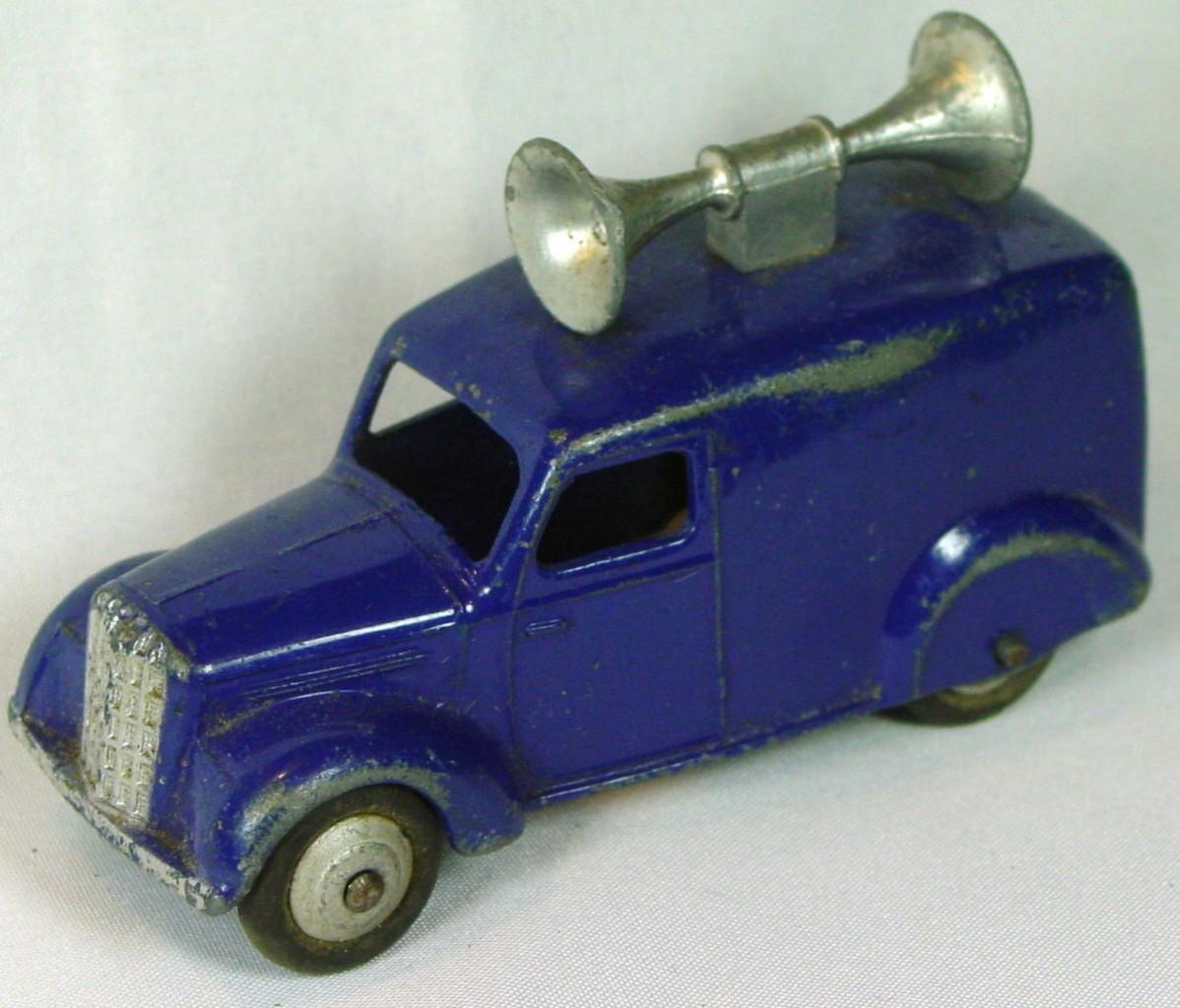 Dinky 34 C - (492) Loudspeaker Van met blue