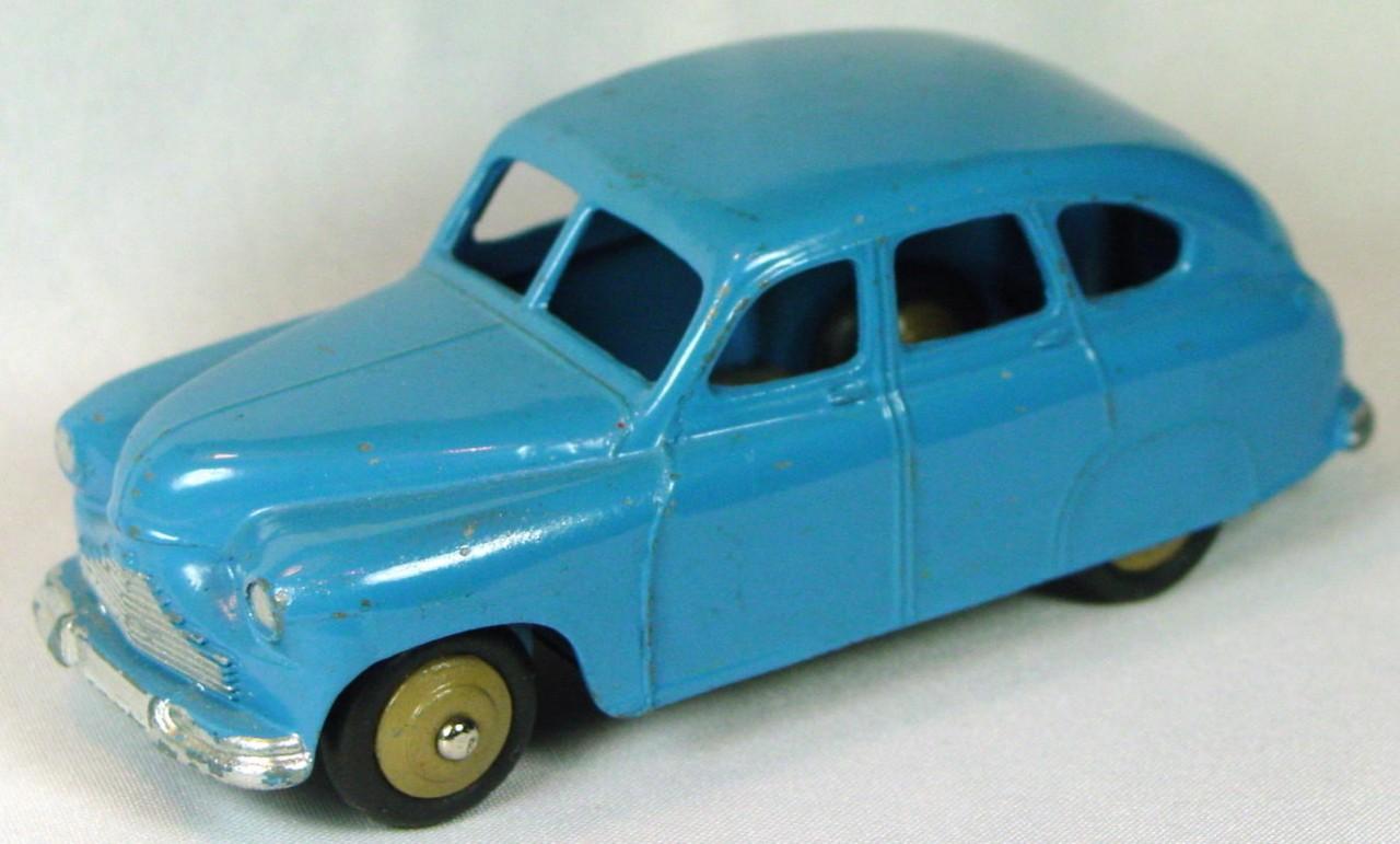 Dinky 40 E - (153) Standard Vanguard green-blue tan hubs