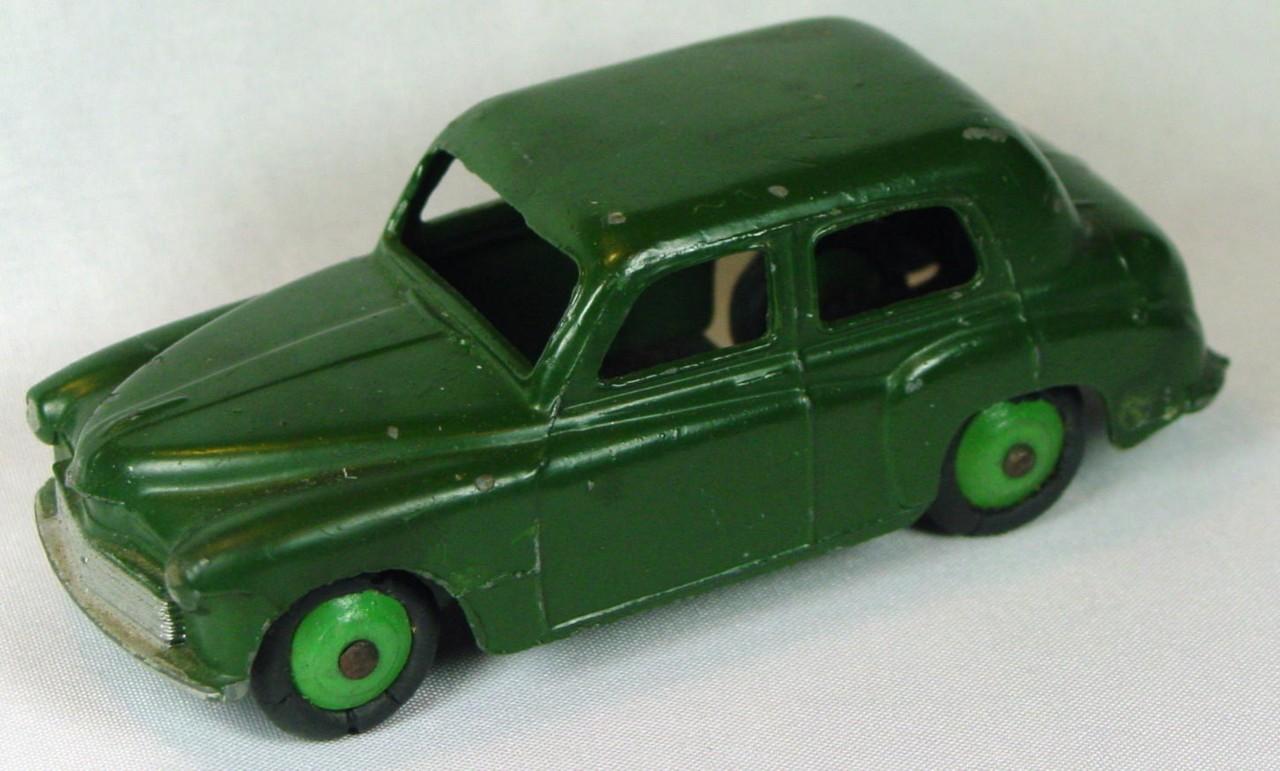 Dinky 40 F - (154) Hillman Minx dark Green green hubs