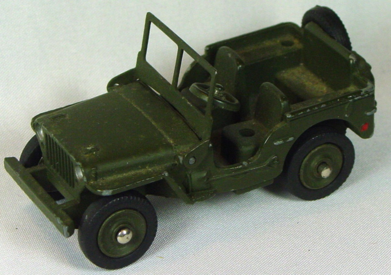 Dinky 80 B - Jeep Hotchkiss-Willys FRANCE -driver