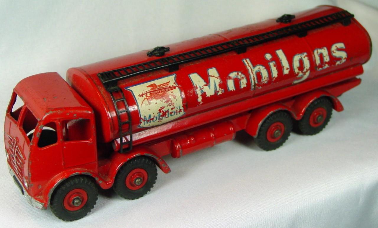 Dinky 941 - Foden Mobilgas Tanker decals 80/60%