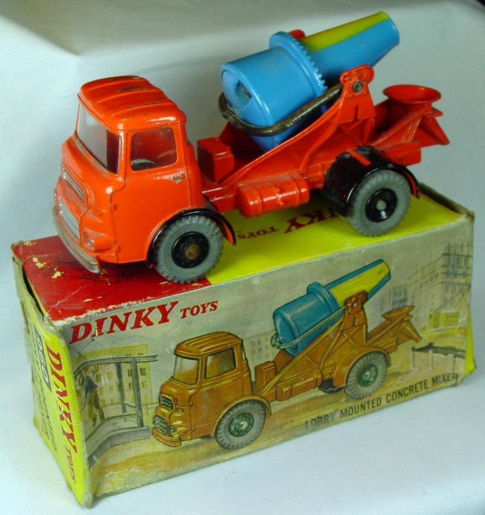 Dinky 960 - Lorry Concrete Mixer Orange blue drum EMM C7.5 box