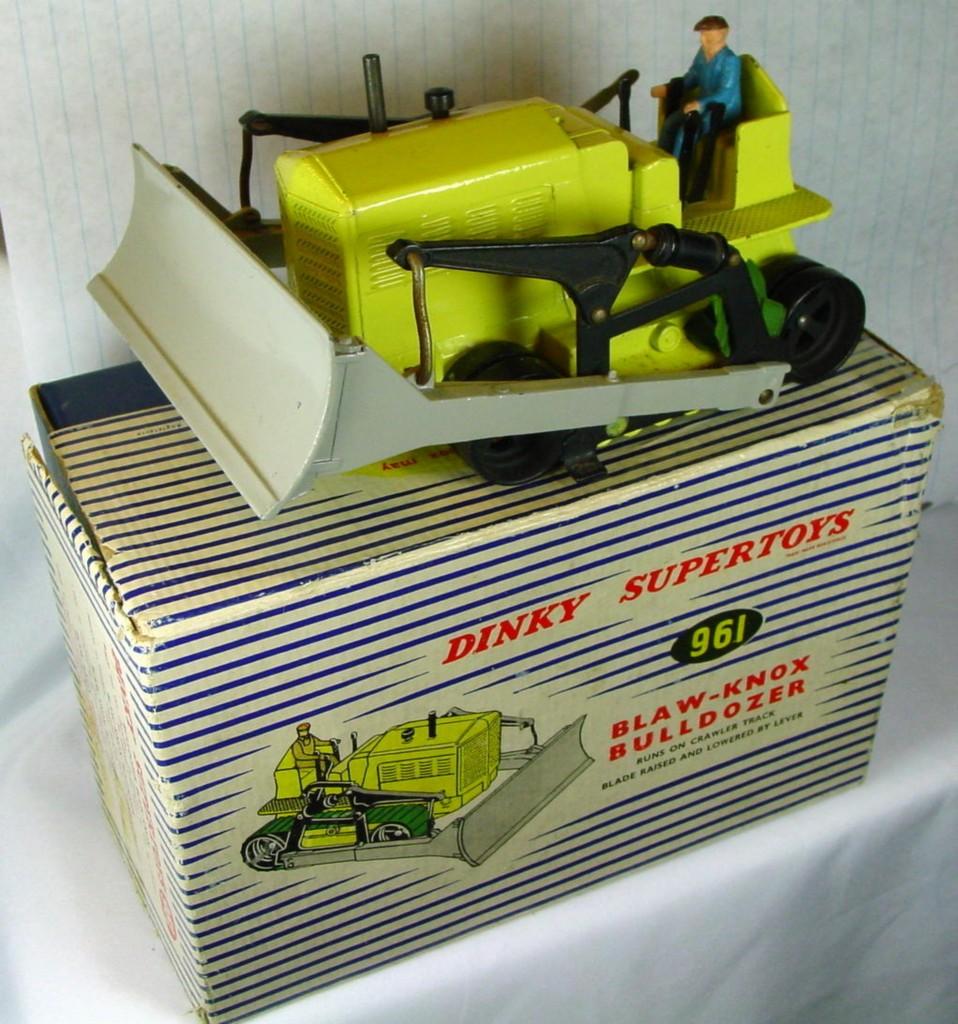 Dinky 961 - Blaw Knox Yellow -treads bludriver 3 chip C9- 3torncorners