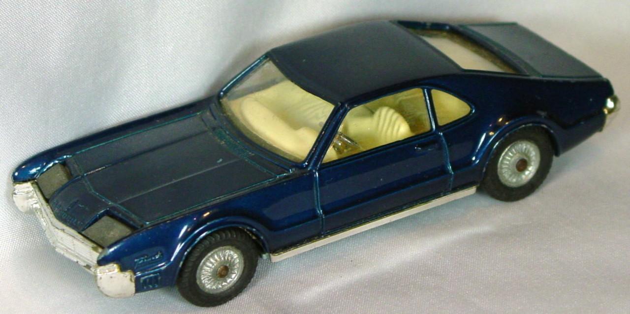 Corgi 264 A - Oldsmobile Toronado Dk green-blue
