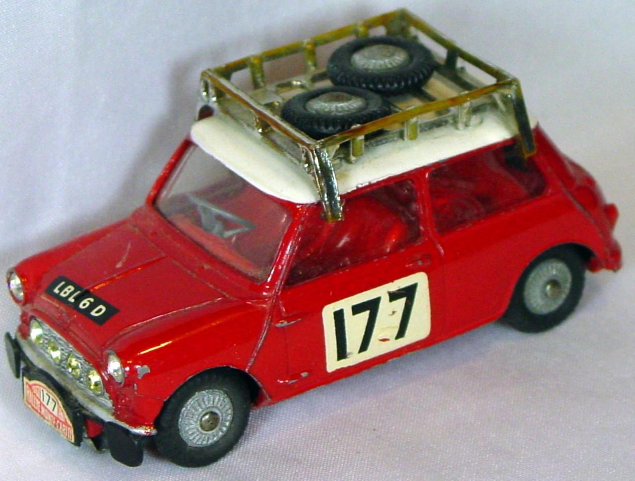 Corgi 339 A - Mini Cooper Monte Carlo Red 177