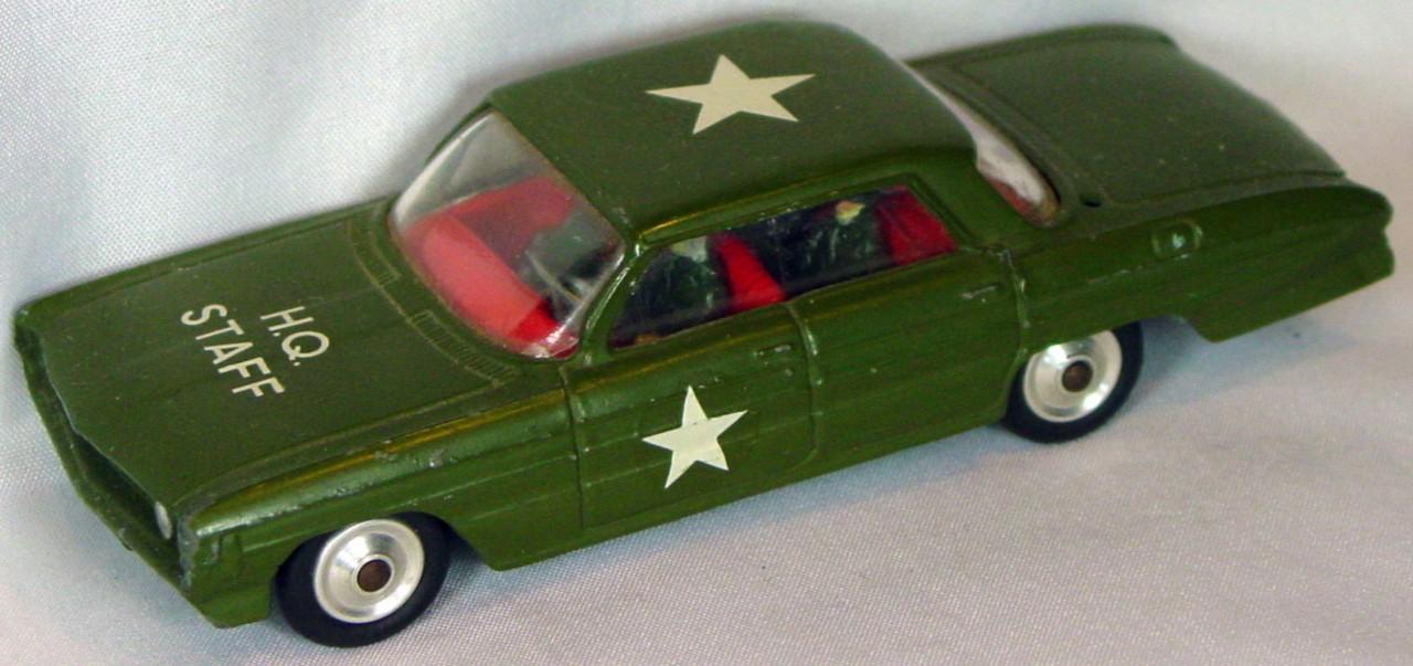 Corgi 358 A - Oldsmobile Army Staff Car -antenna