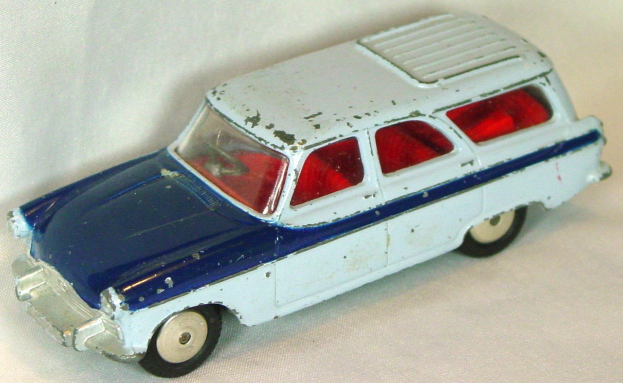 Corgi 424 A - Ford Zepher Estate Car light Blue and dark Blue
