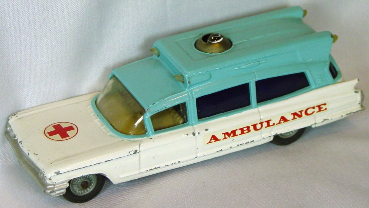 Corgi 437 A - Superior Ambulance White and light Blue