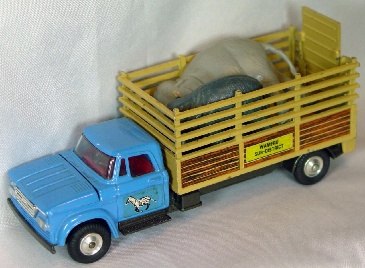 Corgi 14 - (GS-14) Dodge Kew Fargo light Blue and Tan with Elephants